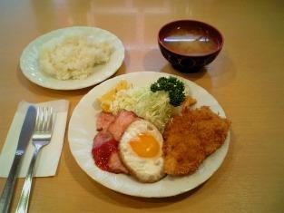 コトブキ ベーコンエッグ+魚フライ003