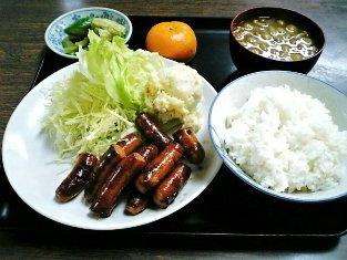 山田ホームレストラン本日の定食Cのウィンナー003