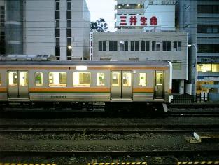 平塚駅で草原物語002