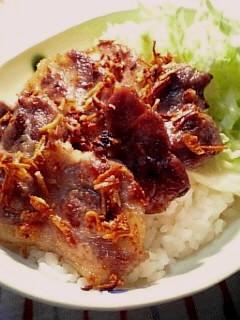 豚ロースの香ばしにんにく焼き丼002
