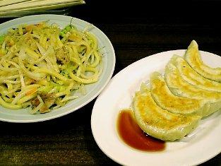 龍味 ヤキソバとギョウザ001