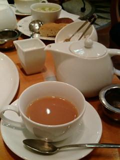 紅茶も付いてます。