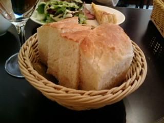 パンも美味い!