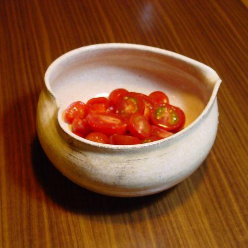 白釉はなびら碗 L トマト