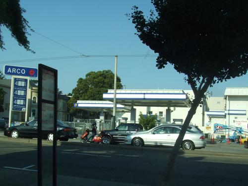 080625gasstation.jpg