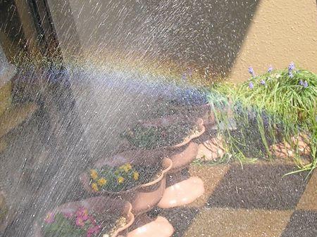 虹を作って遊びました