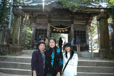 有明神社山門にてJPG