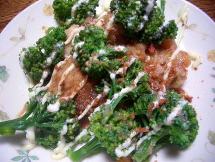 ブロッコリーと鶏唐のホットサラダ