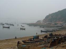 旅順港にて 昔ながら漁師