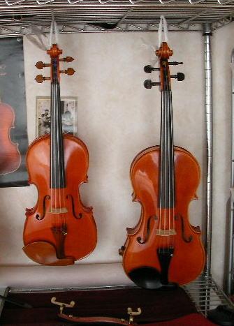 ぶら下がるバイオリン