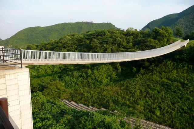 奥津湖浮島橋1