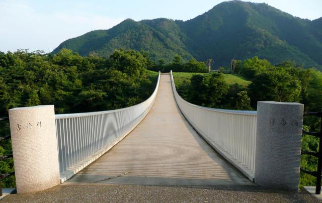 奥津湖浮島橋2