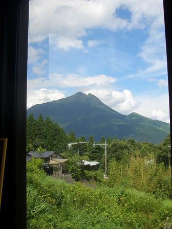 窓から見る由布岳!