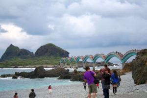 こちらが橋よ。