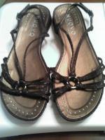 shoes_convert.jpg
