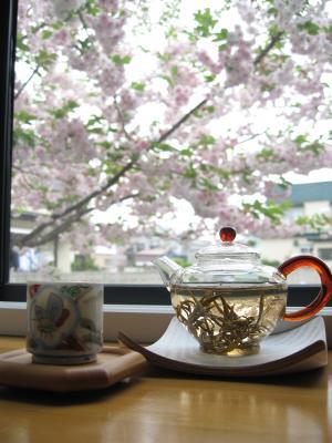 IMG_2206_convert_20080511160634八重桜茶