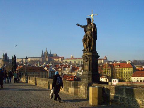 聖像とプラハ城