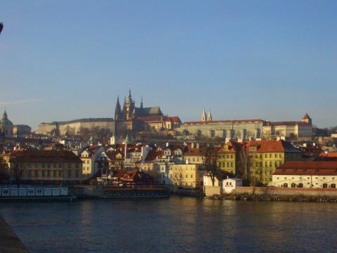 橋からのプラハ城