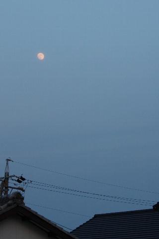 月のある空