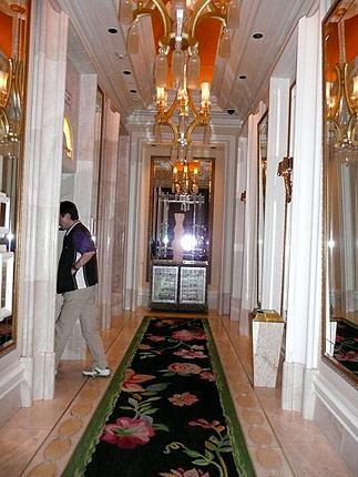 タワースイートのエレベター・ホール