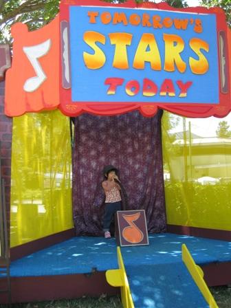 23_alameda county fair natsu singing2