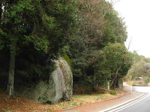 大湫の二つ岩・烏帽子岩
