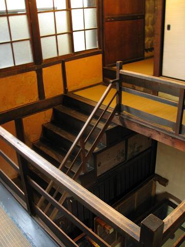 大黒屋の階段