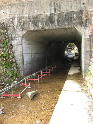 国道21号下のトンネル