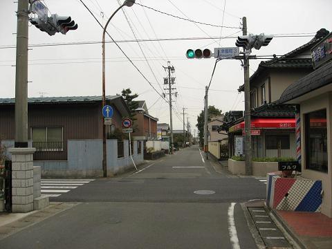 旧中山道・三津屋町3交差点