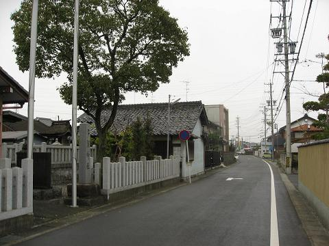 旧中山道・多賀神社付近