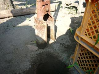 穴掘り専用シャベルのです