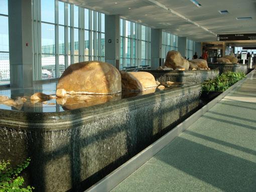 TYS_airport.jpg
