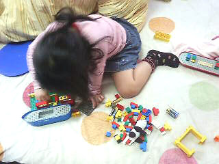 ヒヨコとレゴ