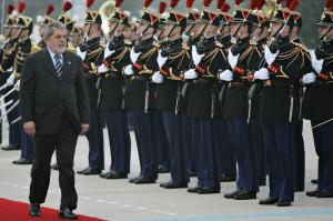 800px-Lula_French_Republican_Guard_ABr112720_convert_20080414234620.jpg