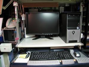 ミニタワー型コンピューター2