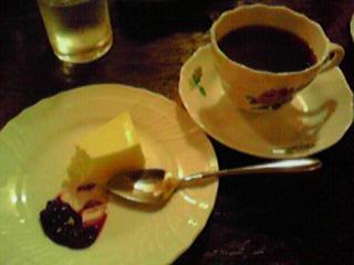 茜屋珈琲チーズケーキ