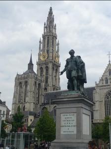 ルーベンス「右手に見えますのが大聖堂でございます」