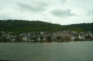 モーゼル川ほとりの町
