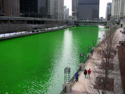 250px-Chicago_River_dyed_green2C_focus_on_river.jpg