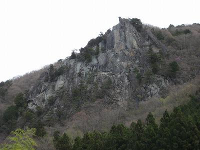 太刀岡山 はさみ岩