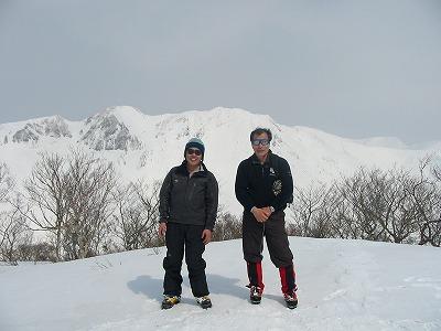 阿能川岳頂上 幕岩を背景に