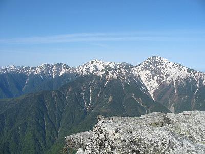 観音岳から見る白峰三山