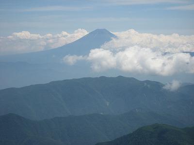 北岳頂上から富士山