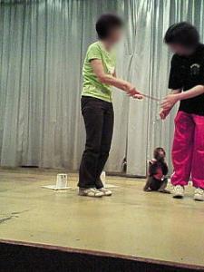 お猿さん調教体験