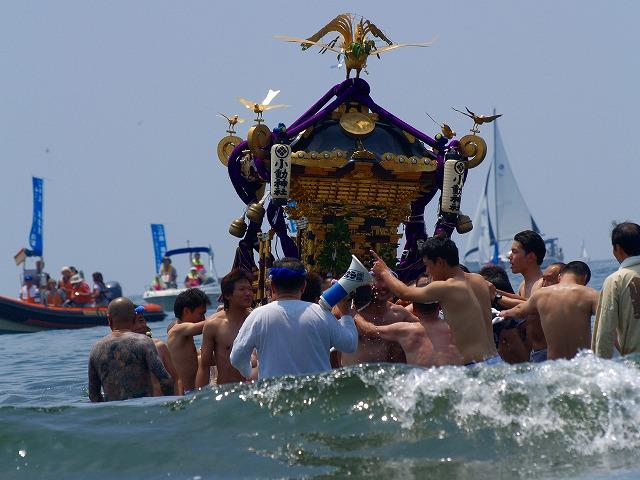 海中の神輿