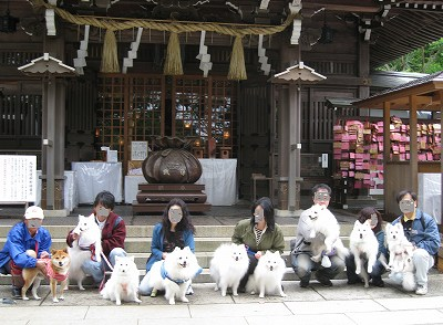 江ノ島神社で集合写真
