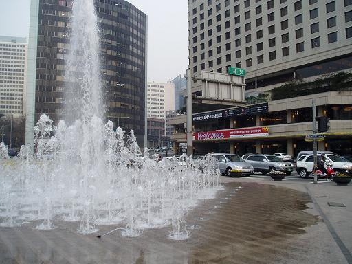 *市庁前のの噴水だよ~*