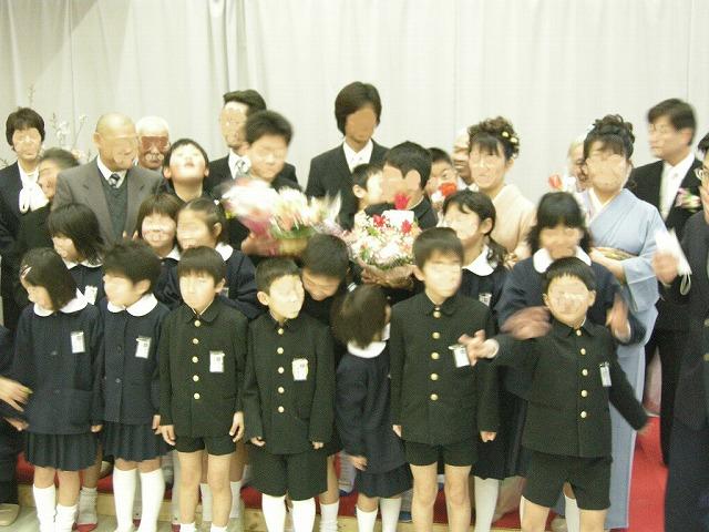 080318弥富小学校卒業式02