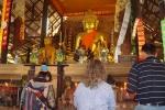 チェンコーンの寺院。