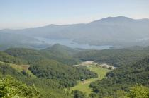 山頂からの桧原湖